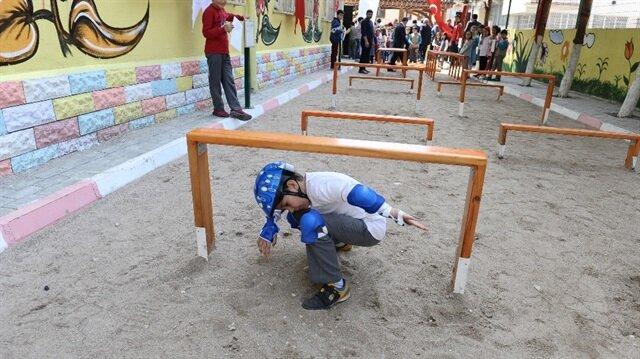 İlköğretim okuluna 'survivor' parkuru