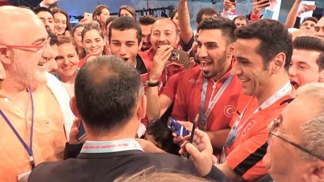 Cumhurbaşkanı Erdoğan'dan şampiyon karatecilere tebrik