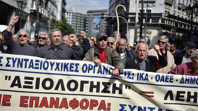 Yunanistan'da göstericiler Maliye Bakanlığı'nı işgal etti