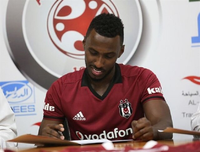 Beşiktaş forması ile imza attı