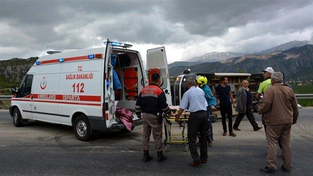 Kaza ihbarı üzerine olay yerine çok sayıda sağlık ve kurtarma ekibi sevk edildi