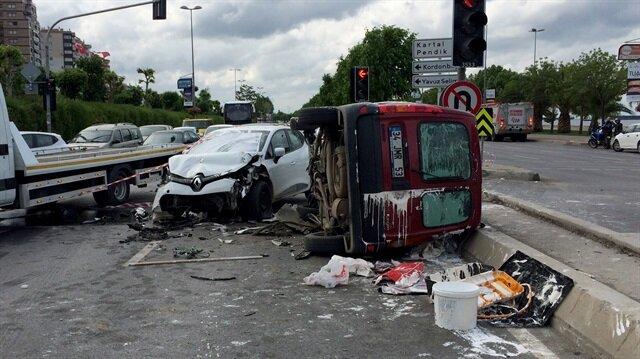 Kartal Yerel Haber: Kartal sahilyolunda meydana gelen trafik kazasında 6 kişi yaralandı. 