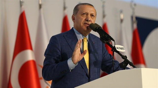 Cumhurbaşkanı Erdoğan tarihi kongrede partililere hitap ediyor.