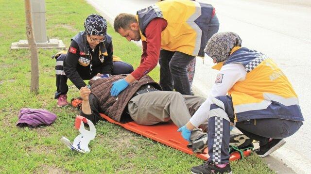Kazada yaralanan  sürücü hastaneye  kaldırıldı.