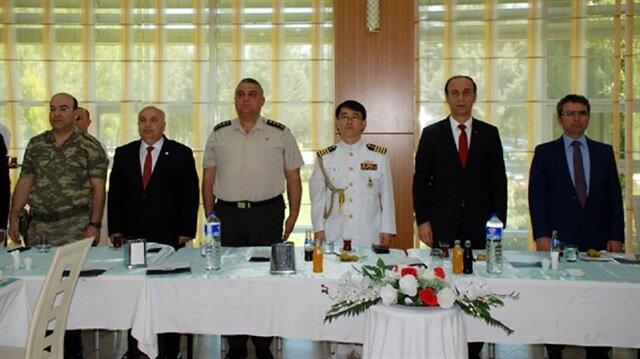 Güney Kore'nin Ankara Büyükelçiliği Savunma Ataşesi Deniz Kurmay Albay Jaesıc Park, 66 yıl önce Kore Savaşı'na katılan Adıyamanlı gaziler ile bir araya geldi