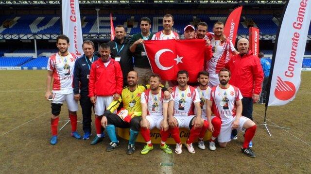 Cumhurbaşkanı Recep Tayyip Erdoğan'ın bir dönem kaptanlığını yaptığı İETT Futbol Takımı, üç yıl üst üste şampiyonluğun ardından 2017'de de tekrar Dünya Şampiyonluğu' nu kazandı.