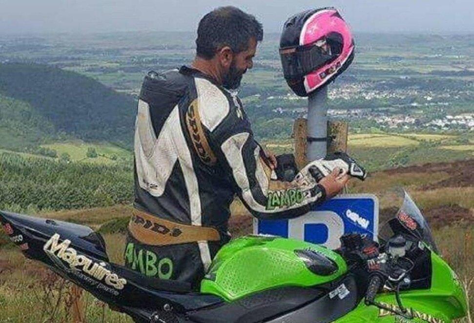 İngiliz motosikletçi, 2014 yılında aynı parkurda Manx Grand Prix'sinde mücadele etmiş ve yarışı dördüncü sırada tamamlamıştı.
