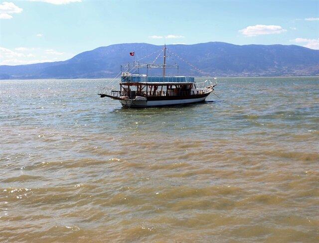 Burdur Gölü'nde alg patlaması: Gölün rengi değişti