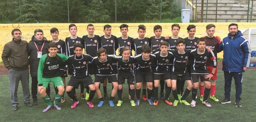 U-16 takımı, İstanbul 7. Grup bölge şampiyonluğunun ardından tek kategorili Türkiye Şampiyonası'nda boy gösterdi.