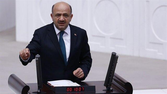 Milli Savunma Bakanı Fikri Işık.