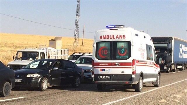 Diyarbakır'da polisleri taşıyan midibüsle yolcu minibüsü çarpıştı: 2 ölü, 18 yaralı