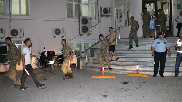 Manisa'da 16 askerin tedavisi hastanelerde devam ediyor.