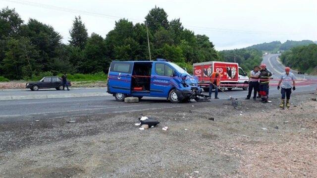 Zonguldak'ta trafik kazası: 1 ölü, 2 asker yaralı