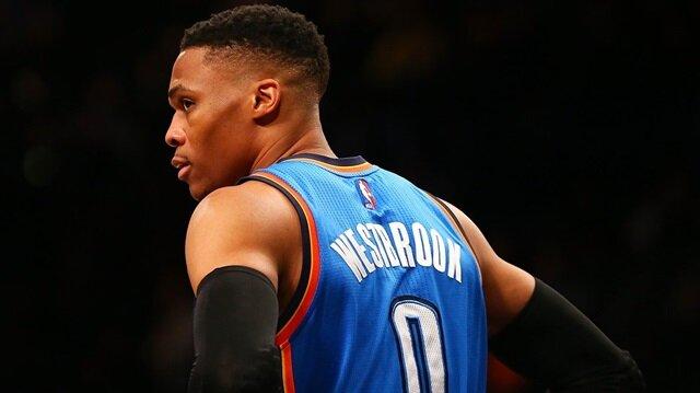 """NBA'de bu sezonun """"En Değerli Oyuncusu"""" Oklahoma City Thunder'ın ABD'li oyuncusu Russell Westbrook oldu."""