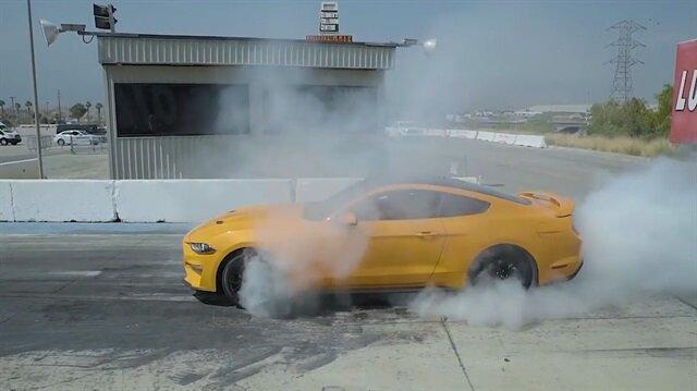 Ford Mustangin inanılmaz lastik yakma özelliği
