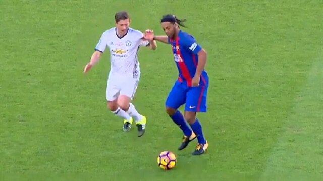 Ronaldinho efsanesi geri döndü!