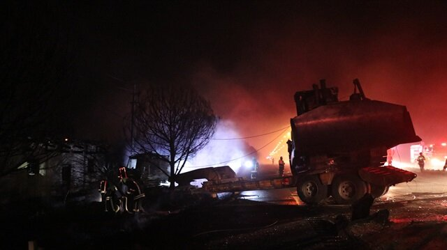 Denizli'de tırla çarpışan tankerde patlama: 3 ölü, 4 yaralı