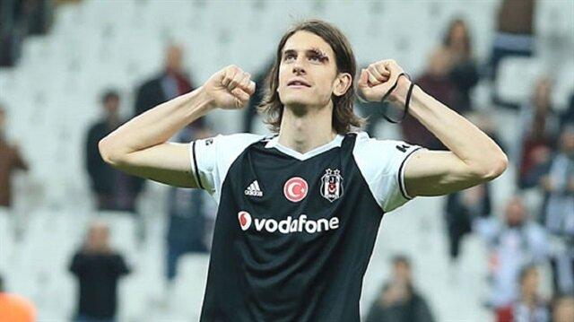 23 yaşındaki stoper Atınç Nukan, geride bıraktığımız sezon Beşiktaş formasıyla 14'ü ilk 11 olmak üzere 16 maça çıktı.