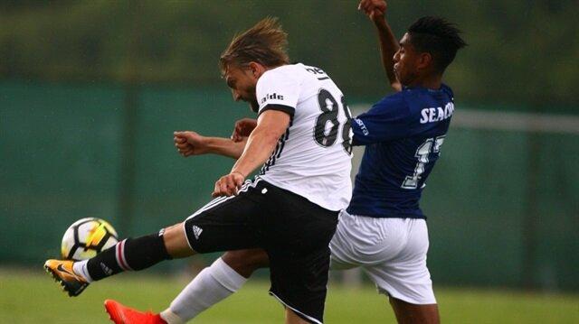 Sakatlığını atlatan Caner Erkin yeni sezon öncesi oynanan hazırlık maçında 1 gol attı.