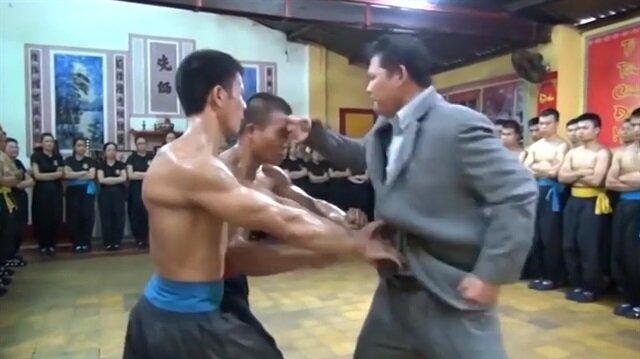 İhtiyar Kung Fu hocasından öğrencilerine unutamayacağı bir ders