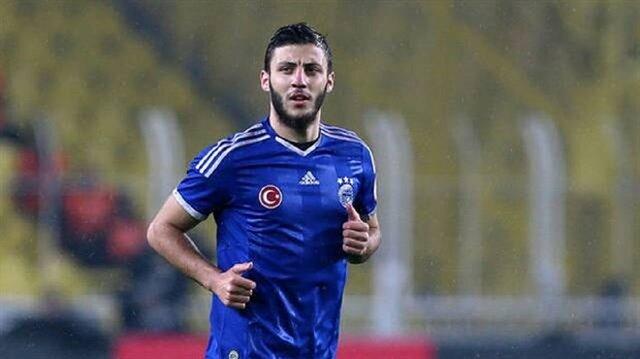 Fenerbahçe altyapısından çıkan Hakan Çinemre birçok takımda kiralık olarak forma giymişti.