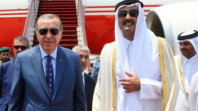 Katar Emiri Cumhurbaşkanı Erdoğan'ı Havalimanında karşıladı