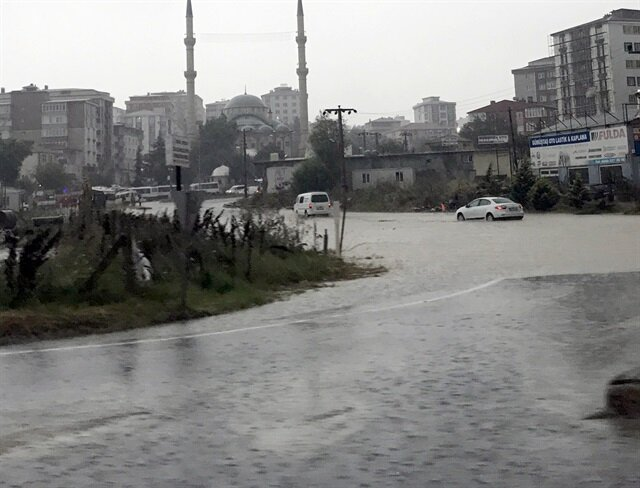 Doğu Karadeniz ve çevresine sağanak uyarısı