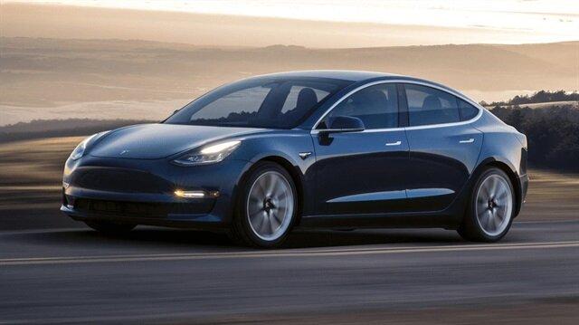 Tesla Model 3, ABD'de 35 bin dolardan başlayan fiyatlarla satılıyor.