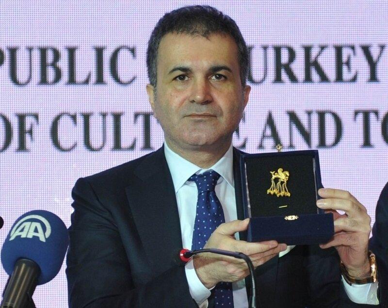 7 Mart 2013- Dönemin Kültür ve Turizm Bakanı Ömer Çelik, Almanya'dan iadesi sağlanan Kanatlı Denizatı Broşu'nu Türkiye'ye getirdi.