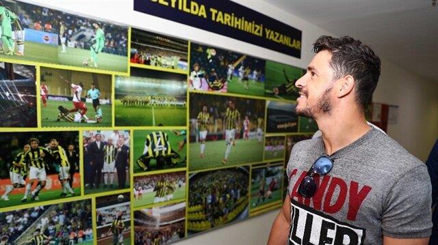 Giuliano bilmecesi: Trabzonspor oyuncunun transferi için Zenit'le anlaştı, Fenerbahçe oyuncuyu sağlık kontrollerinden geçirdi. (Fenerbahçe sağlık kontrollerinin ardından Giuliano'ya Ülker Stadı'nı gezdirdi.