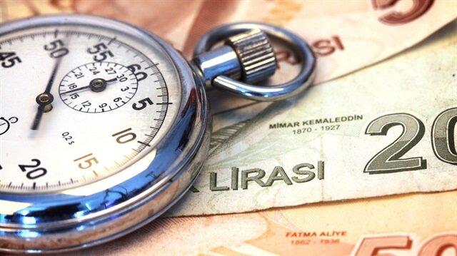 Anayasa Mahkemesi'nden intibak yönünde karar çıkarsa, 2000 yılı ve sonrasında emekli olanların maaşlarında düzeltme yapılacak, 355 liraya varan zamlar söz konusu olacak.