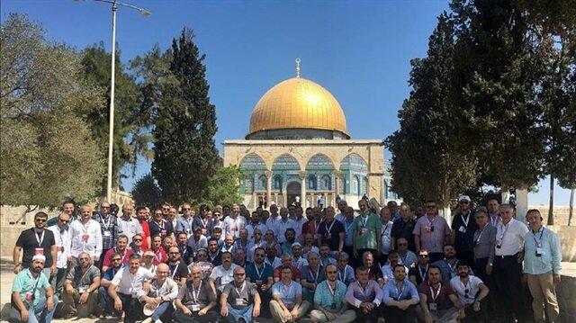 Turkish entrepreneurs perform Friday prayers at Al-Aqsa