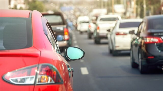 Trafiğe kayıtlı 11 milyon 666 bin 779 otomobilin yüzde 73,3'ünü benzine göre daha tasarruflu dizel ve LPG yakıtlı araçlar oluşturdu.