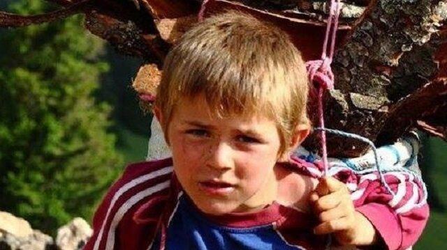 15 yaşında şehit olan Eren'in 2011 yılında Karadeniz'de odun taşırken çekilen fotoğrafı ailesi tarafından paylaşıldı.