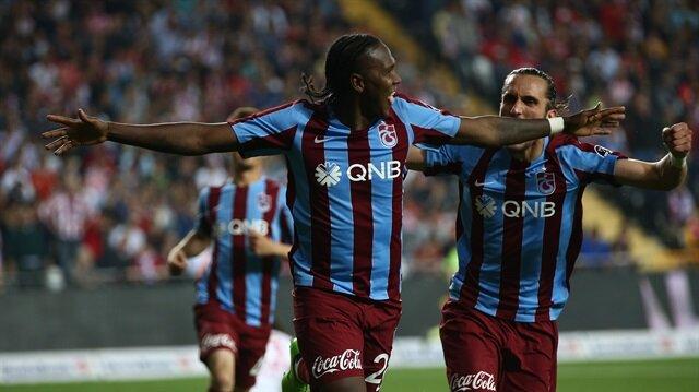 Geçen sezonun devre arasında Trabzonspor'a transfer olan 32 yaşındaki Rodallega, bordo-mavili formayla çıktığı 15 maçta 6 gol kaydetti.