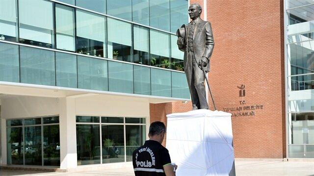 Eskişehir'de Atatürk heykeline saldıran kişi gözaltına alındı