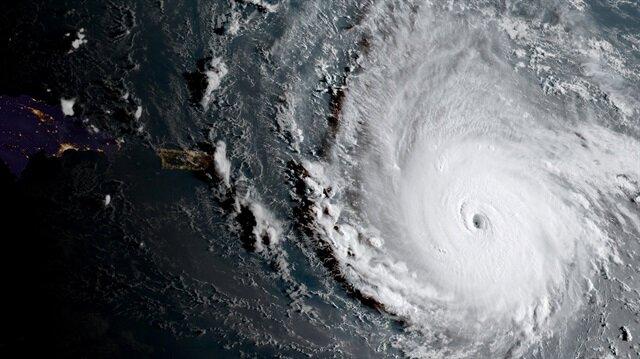 Irma okyanustan karaya ulaştı