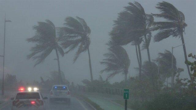 Saatteki hızı 300 kilometreye yaklaşan Irma kasırgası, ABD'de korkuya neden oldu