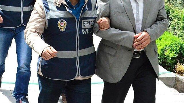 """Gaziantep'te örgütün şifreli haberleşme programı """"ByLock""""u kullandığı belirlenen 5 kişi tutuklandı."""