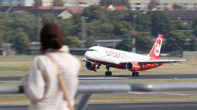 Air Berlin 100 uçuşu iptal etti