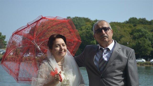 تركية يتحقق حلمها وترتدي فستان زفافها بعد 32 عاما من الزواج