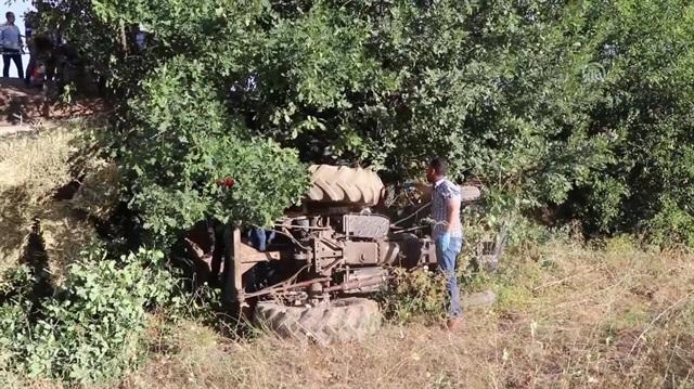 Çankırı'da traktör şarampole devrildi: 1 ölü, 1 yaralı