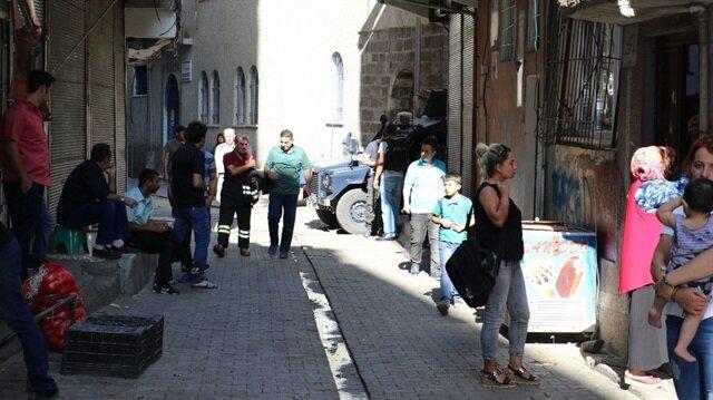 Diyarbakır'da meydana  gelen patlama sonucunda 1 kadın yaralandı.