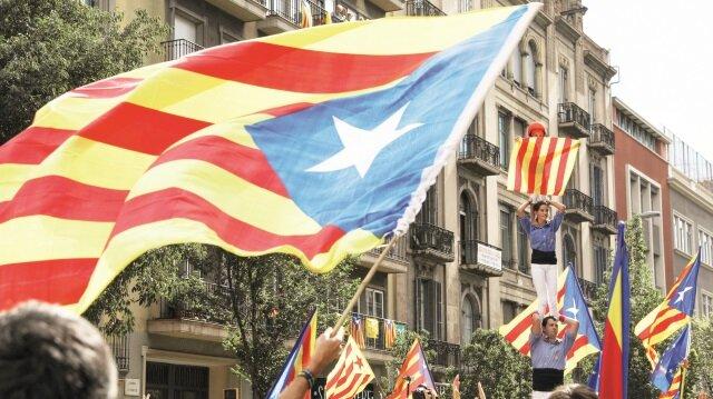 İspanya'da dev referandum sorgusu