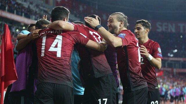 Türkiye FIFA sıralamasında 6 basamak birden yükseldi.