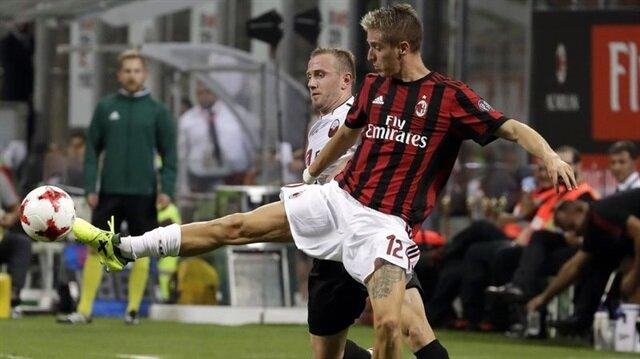 Milan'ın Atalanta'dan transfer ettiği Andrea Conti, yaklaşık 6 ay forma giyemeyecek.