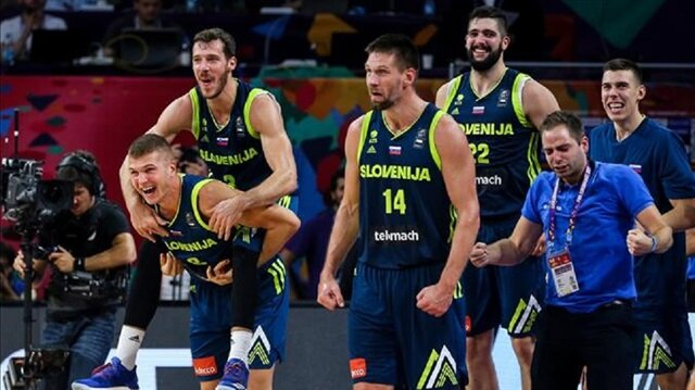 Players of Slovenia celebrate after winning the FIBA Eurobasket 2017 semi final basketball match against Spain at Sinan Erdem Dome in Istanbul, Turkey.