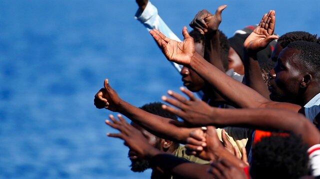 Akdeniz rotasını kullanarak Avrupa'ya ulaşmaya çalışan mültecilerin Nijerya, Gine ve Bangladeş'ten geldiği belirtiliyor.