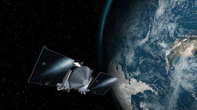 Yolculuğu sırasında Dünya'nın yer çekimi kuvvetinden yararlanacak olan uzay aracı, gelecek yıl Bennu'ya ulaşacak.
