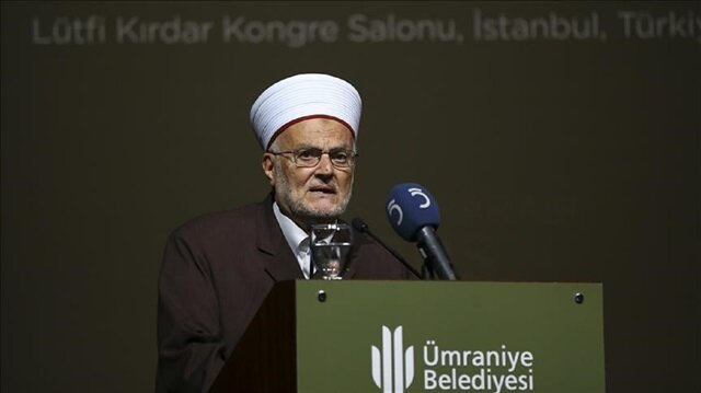 Former Grand Mufti of Jerusalem Sheikh Ekrima Sabri dresses during The International Jerusalem Symposium in Istanbul, Turkey. The event -- organized by the Istanbul-based NGO Burak Foundation, Umraniye Municipality, and Istanbul Medeniyet University -- brings together local and international politicians, academics, and clergymen.